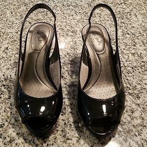 Women's black dress shoes
